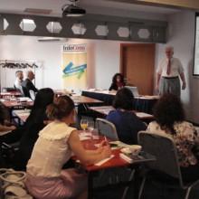 Lansare curs protectia consumatorilor - angajatii Volksbank impreuna cu Domnul Lector Dragulanescu Nicolae - Federatia Asociatiilor de Consumatori