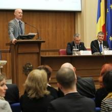 Bogdan Olteanu, Alexandru Paunescu si Sorin Mierlea participand la Campania Nationala de Educare si Informare a Consumatorilor in Domeniul Financiar – Bancar