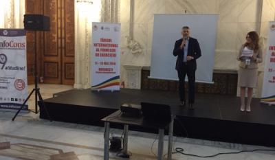 Președintele InfoCons, Sorin Mierlea, susține un discurs la deschiderea Târgului Internațional al Firmelor de Exercițiu