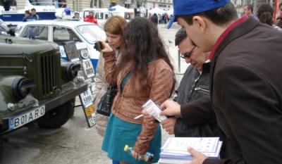 Reprezentantii InfoCons au diseminat materiale informativ - educative de Ziua Politiei Romane