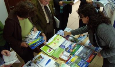 Eveniment realizat pentru diseminarea de materiale educativ-informative pe teme Europene de catre InfoCons