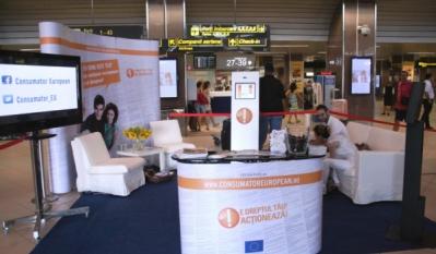 """Eveniment in cadrul aeroportului Henri Coanda, Otopeni, in cadrul proiectului eurupean """"Consumatori Activi"""" pe teme de educatie si informare a cetatenilor din Romania in calitatea lor de consumatori europeni."""