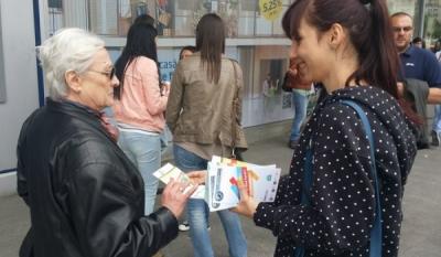 Reprezentantii InfoCons au diseminat materiale educativ-informative la Festivalul Muzicilor de Fanfara cu ocazia Zilei Europei