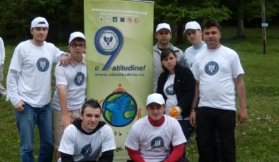 """Campania Nationala """"o9atitudine! inchide! stinge! recicleaza!"""" – Actiunea de ecologizare pe Valea Prahovei in parteneriat cu Ministerul Afacerilor Externe"""