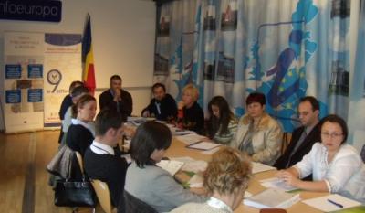Grup de lucru organizat la Centrul InfoEuropa pe teme europene si de protectia consumatorilor desfasurat sub egida InfoCons