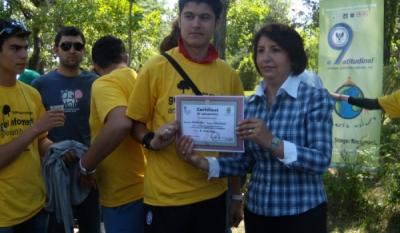 Doamna Sulfina Barbu – Presedinta Comisiei pentru Administratie Publica, Amenajarea Teritoriului si Echilibru Ecologic – Acordarea certificatelor de voluntariat – o9atitudine!