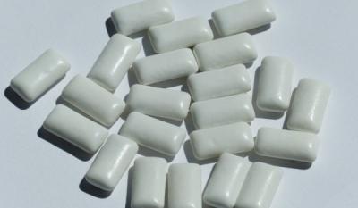 Guma de mestecat - TOP 10 produse in functie de numarul de E-uri