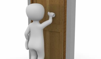 Escrocherii din uşă în uşă