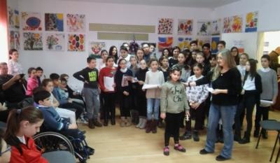 """Reprezentanții InfoCons au participat la serbarea de Craciun alaturi de copiii de la """"Rază de Lumină"""""""