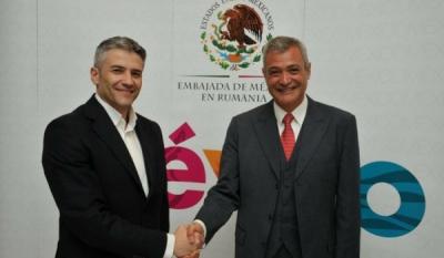 Președintele InfoCons, Sorin Mierlea, alături de Ambasadorul Mexicului în România, Jose Arturo Trejo Nava