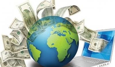 Cum trimit bani acasă românii din străinătate