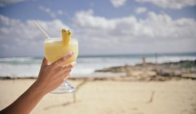 Nu îți permiți să pleci în vacanță? Băncile vin cu soluții: Vacanța pe credit