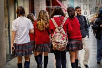 La ce să fim atenți când alegem uniformele sau produsele textile necesare școlarilor