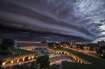 Cum ne protejăm în timpul unei furtuni?