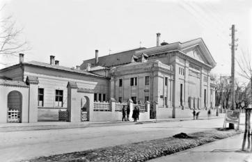 Teatrul Caragiale, ieri și azi - o9atitudine pentru cultură