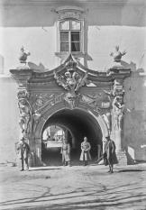 Poarta a IV-a a Cetății Alba Iulia, ieri și azi - o9atitudine pentru cultură