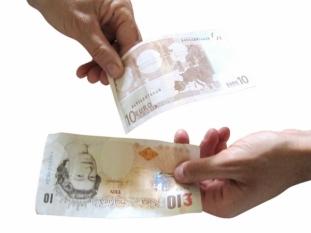 Taxe mai mici pentru plățile efectuate în țările din afara zonei euro