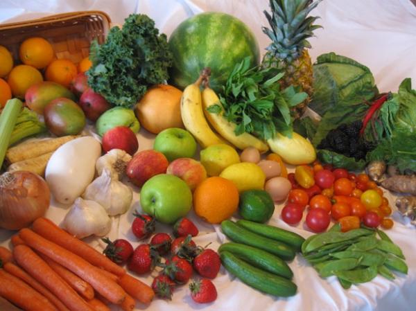Primele rezultate ale verificărilor ANSVSA privind reziduurile de pesticide din fructele şi legumele din comerțul intrac