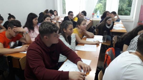 Reprezentanții InfoCons participă la o nouă dezbaterea cu tineri pe tema risipei alimentare!