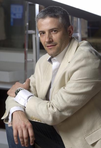 Domnul Sorin Mierlea  este in direct telefonic la Romania TV
