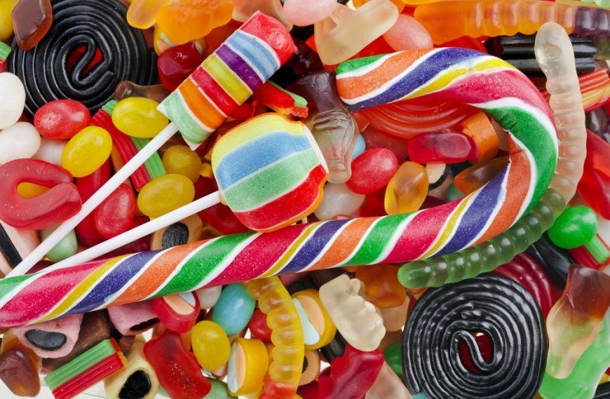 Dulciuri ( bomboane, jeleuri, etc.)
